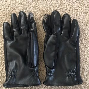 Men's isotoner gloves size large. Great condition